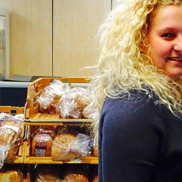 Samen met de Voedselbank boodschappen doen in de Oosterpoort