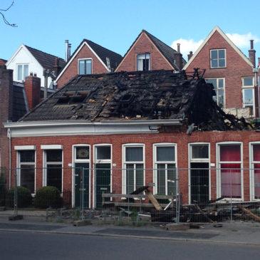 Brand op Meeuwerderweg verwoest woningen