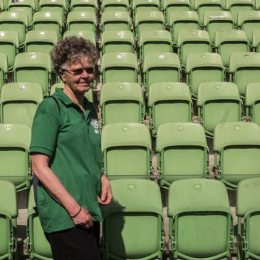 Steward en rondleider: Ria werkt bij FC Groningen